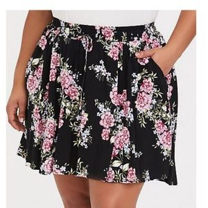 Black Floral Challis Mini Skort, NWOT